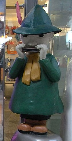 Snufkin at Moomin shop in Helsinki-Vantaa Airport (cropped).jpg