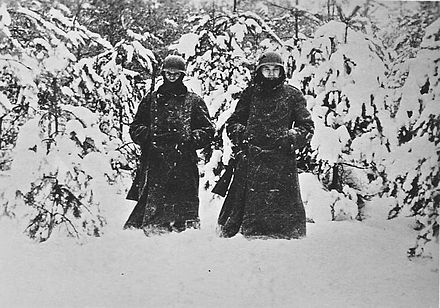 German soldiers west of Moscow, December 1941 Soldiers on guard in December 1941 to the west of Moscow.jpg
