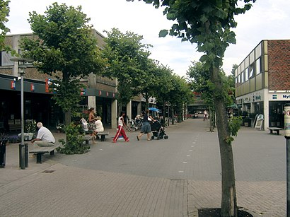How to get to Solrød Strand st. with public transit - About the place