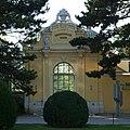 SonnenuhrHausSchönbrunn.JPG