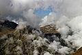 Sorebois Val d'Anniviers (2438 m). Grillige wolken spelen tussen de bergflanken 02.JPG