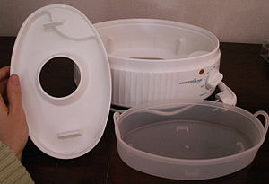 Food steamer - A steam cooker catchment which collects water with condensed nutrients