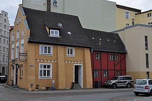 Stralsund, Fährstraße 17, Ecke Fährwall (2012-03-04) 1, by Klugschnacker in Wikipedia.jpg