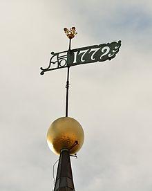 Tallinna Toomkiriku torni muna ja tuulelipp.jpg
