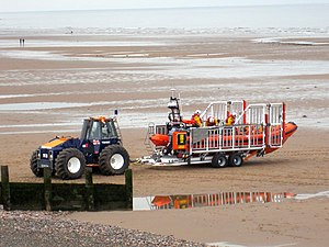 Talus Atlantic 85 DO-DO launch carriage - Image: Talus MB 4H (TW 49H) and Lifeboat