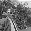 Televizierploeg te Breda voorgesteld, Kees Pellenaars ( zonnebril en sigaar), Bestanddeelnr 917-8698.jpg