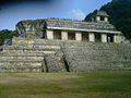 Templo en la zona arqueológica de Palenque.jpg