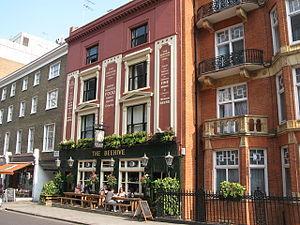 Crawford Street - The Beehive pub at 126 Crawford Street.