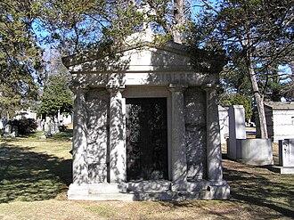 Fritz Kreisler - The mausoleum of Fritz Kreisler in Woodlawn Cemetery