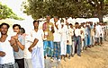 The voters displaying their identity card at Samudayak Bhawan, Nathpur, Bhagalpur, Bihar, during the third phase of General Election-2009 on April, 30, 2009.jpg