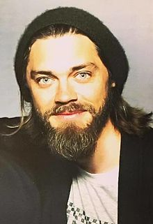 Tom Payne actor (cropped).jpg