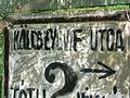 Trükkösen átfestett utcanévtábla Solymár.jpg