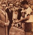 Trofeo del Torneo Internacional de Pascua 1950.png