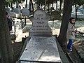 Tumba del Doctor Felipe Hauser en el Cementerio Civil de Madrid el 27.12.2006.jpg