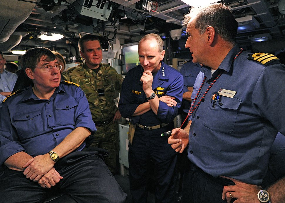 US Navy 120126-N-WL435-305 First Sea Lord and Chief of the Naval Staff of the Royal Navy Adm. Sir Mark Stanhope, left, and Chief of Naval Operation