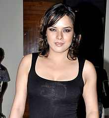 Udita Goswami at the Success bash of 'Aashiqui 2' at Escobar.jpg