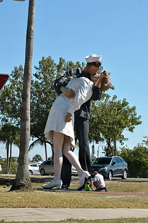 John Seward Johnson II - Unconditional Surrender, Saratosa, Florida