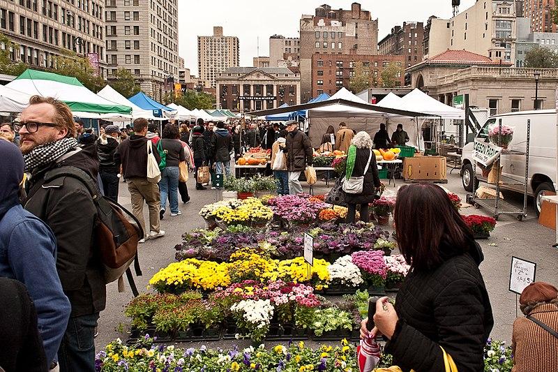 File:Union Square Greenmarket, New York City (4027732232).jpg