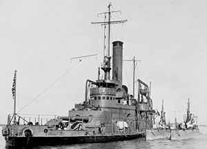 USS Tallahassee tending to the K-5 and K-6 in Hampton Roads, 1916