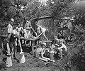 VCJC-kamp te Oirschot. Voor houden keuken en tafel, Bestanddeelnr 902-8806.jpg