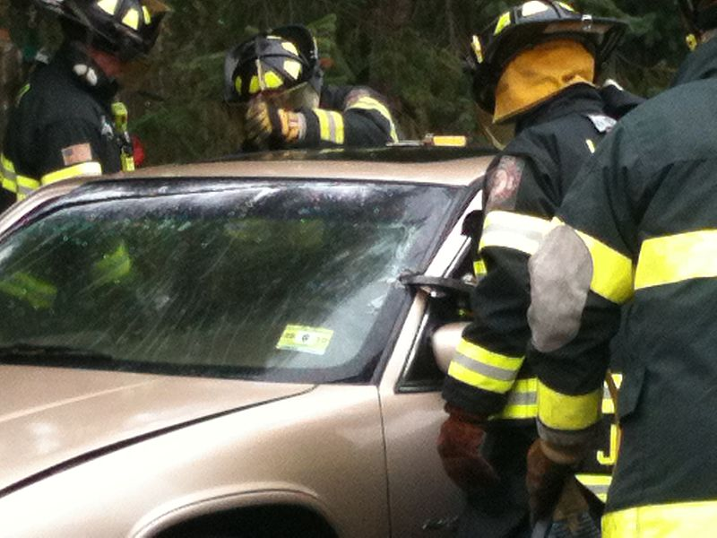 Vehicle extrication demonstration and training.jpg