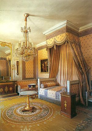 Empire style - Napoleon's bedchamber in the Grand Trianon, Versailles epitomizes the neoclassical style of the First French Empire