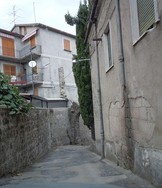File:Vicolo di Roccamonfina7.JPG