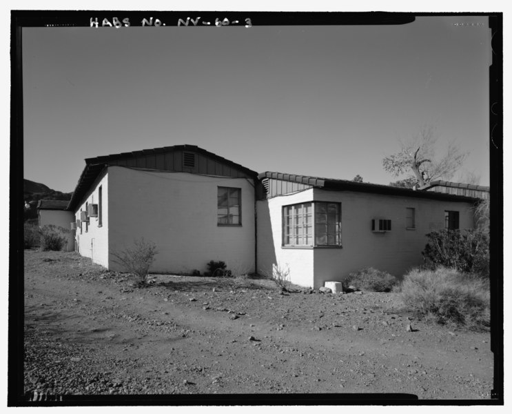 File:View of Administration Building looking north, Lodge Building C, perspective view of rear and opposite side - Lake Mead Lodge, 322 Lakeshore Road, Boulder City, Clark County, NV HABS NV-60-3.tif