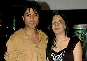 Vikas Bhalla - Bhalla with wife at the screening of film No Problem