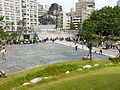 Visitors Line around Temple Plaza Birdview 20140705a.jpg