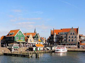 330px-Volendam_haven.jpg