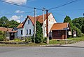 Vracovice, house No 6 and bus stop.jpg
