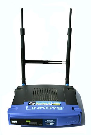 Linksys WRT54G series - Image: WRT54G Linksys Router with 7 d Bi Antennas Digon 3