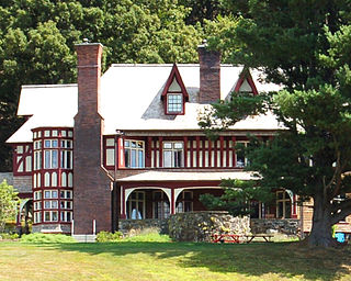 Walter Thompson House and Carriage House