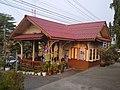 Wat Suwan railway station.jpg