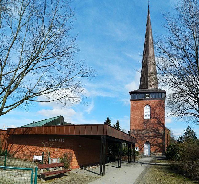File:Wedel Kirche u.Risthütte - panoramio.jpg