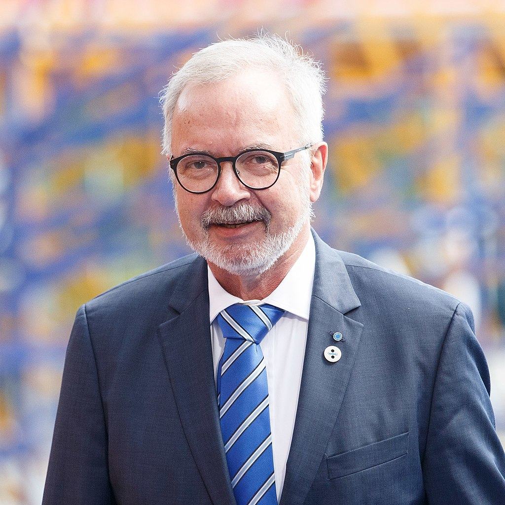 Werner Hoyer 2017.jpg