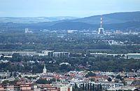 Wien-Donauturm, Blick zum Stadtbezirk Simmering.JPG