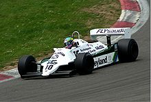 Photo d'une Williams FW07 en action.