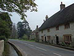 Winterbourne Steepleton - geograph.org.uk - 402390.jpg