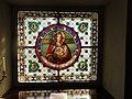 Witraż w kaplicy Pałacu Skórzewskich Lubostroniu.jpg