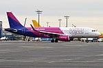 Wizz Air UK, G-WUKD, Airbus A320-232 (31399906698).jpg