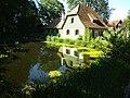 Wolfegg - Teich und Haus im Bauernhausmuseum.jpg