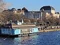 'Herzbaracke' am Utoquai in Zürich, Sechseläutenplatz und Opernhaus im Hintergrund, Ansicht von der Quaibrücke 2014-01-28 16-23-57 (P7700).JPG
