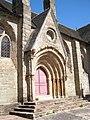 Église de la Trinité de Brélévenez - Porche Sud.jpg