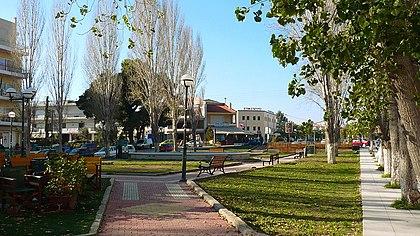 Πλατεία Μακεδονίας: Το Κεντρικό Σημείο Συνάντησης Κατοίκων και Επισκεπτών.