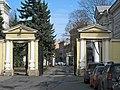 Аничков дворец. Внутренние ворота01.jpg