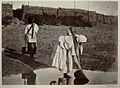 Казачки поливают огороды. 1875-1876.jpg