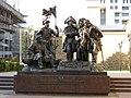 Памятник основателям Ростова 2 - panoramio.jpg