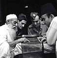 מצרים - חיילים בבית הכנסת בקהיר-JNF012396.jpeg